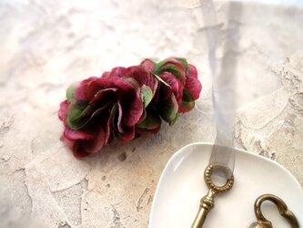 紫陽花のバレッタ ■ 秋色のビッグシルエット ■ グリーンレッドの画像