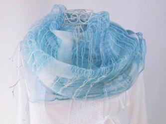 藍の生葉染め・シルク・大判ロングストール・空気をまとうような軽さ・滝音の画像