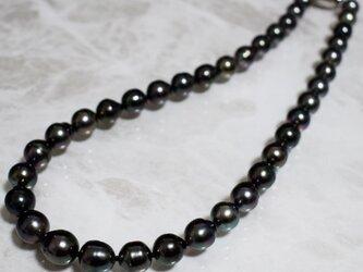 先着1名様 黒蝶真珠ネックレス タヒチパール SV925 8.1~11.3mm 冠婚葬祭 葬儀 ピーコック系 k004の画像