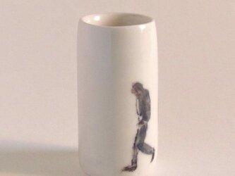 イギリス作家の手作り花瓶 「歩む男性」の画像