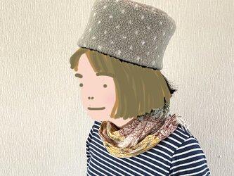 SALE  コロンとした帽子59グレー水玉の画像