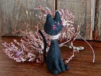 羊毛フェルトの黒ネコの画像