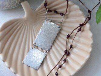 ロウビキ紐のネックレスの画像