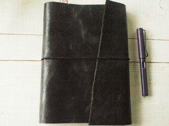 本革 艶黒クラック A5テキスト・手帳カバー ワイルド端っこの画像
