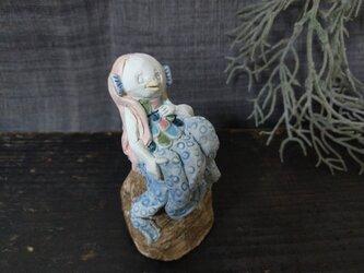 アマビエ M青 -磁器土-の画像