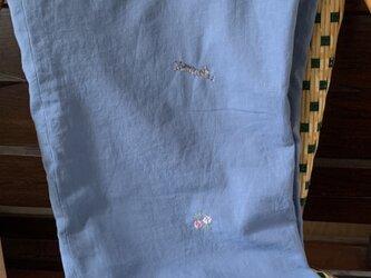 綿麻 ワイドパンツ サバトラ猫とコスモスの画像