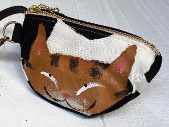 三日月猫のエコバッグポーチ〈茶トラ猫 黒花〉の画像
