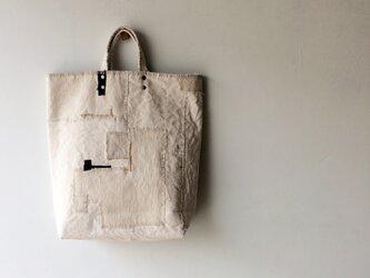 ぐるりとつぎはぎバッグの画像