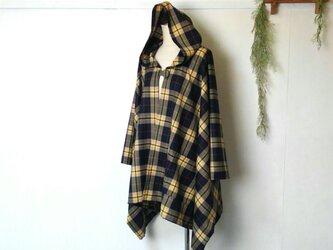サラっと着れる マスタードチェックのポンチョ ~ ジャケット コート 羽織る マント ケープの画像