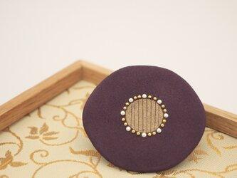 漆塗り花ブローチ「華紫」 秋アクセサリー 冬アクセサリー 和風の画像