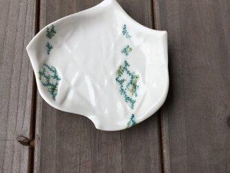 グリーンツタ変形小皿の画像