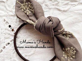 刺繍 ベージュ グレー 花柄 リボン ヘアゴム♪の画像