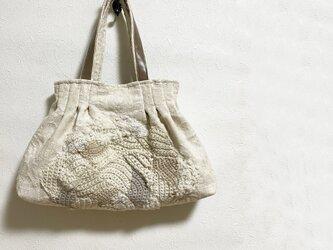 フリーフォーム編み模様をつけたかばん(ほわいと)の画像