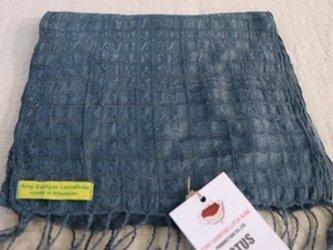 蓮糸とシルクで織ったストールの画像