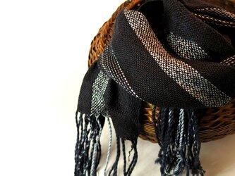 肌寒くなるこれからの季節にふんわり手織りのシルクマフラーの画像
