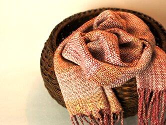 肌寒くなるこれからの季節ににふんわり手織りのシルクマフラーの画像