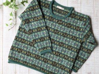 フェアアイル グリーンのセーターの画像