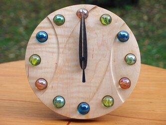 無垢の木の電波置き掛け時計 カエデ ビー玉 0001の画像