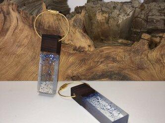 木とレジンのキーホルダー<コクタン>小の画像
