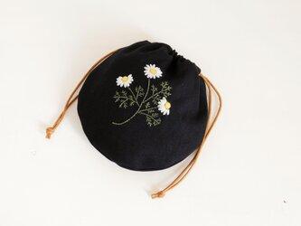 まあるい 刺繍巾着 カモミール【受注製作】の画像