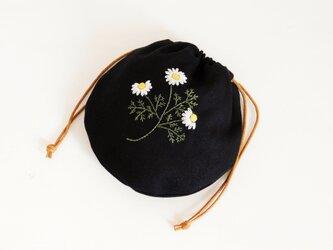 カモミール まあるい 刺繍巾着 【受注製作】の画像