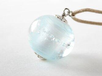 ガラスネックレス【浅青】縞の小石 L86の画像