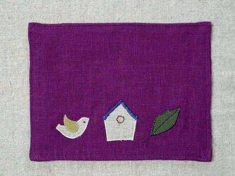 カフェマット紅紫色 ことりと巣箱と葉っぱの画像