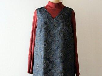着物リメイク 紬の脇スリット入りベストの画像