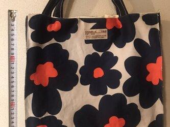 お花のバッグの画像