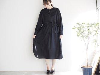 コットンリネンのシャツワンピ  ブラック No.136-01の画像