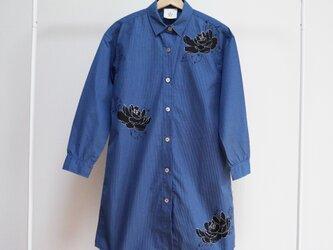 ロングシャツ ギンガムチェックブルー <黒牡丹>の画像