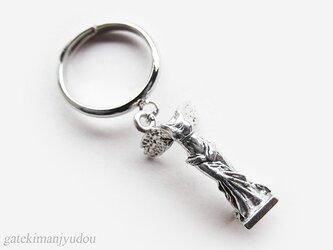 勝利の女神ニケの指輪の画像