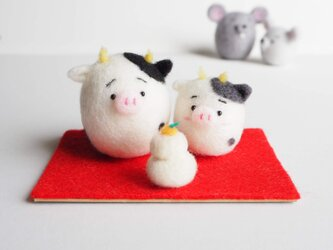 【受注製作】2021年干支(丑) まゆうし(牛)親子の正月飾りセット 羊毛フェルトの画像