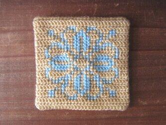 ツヴィスト刺繍のコースター 水色花の画像