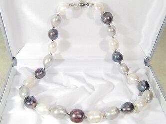 13.0-11.5mm本真珠(淡水)とミラーボールのネックレス(マルチカラー、ホワイト、シルバー、パープル)の画像