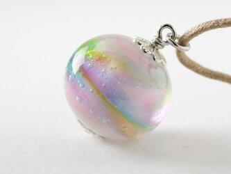 ガラスアクセサリー【彩 】縞の小石 M46の画像