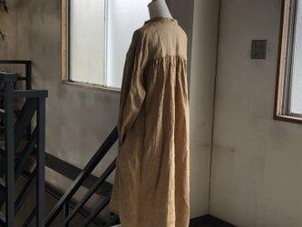 後ギャザーのゆったりプルオーバーシャツ*リトアニアリネンの画像