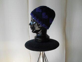 パープルハートの編み込み帽子の画像