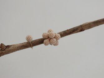 【Dots】7粒と1粒のイヤリングセット(S)の画像