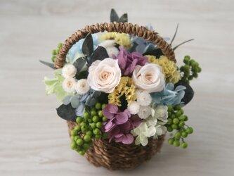 Flower basket (S) Antique white roseの画像