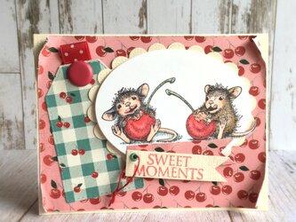 さくらんぼとマウスのカードの画像