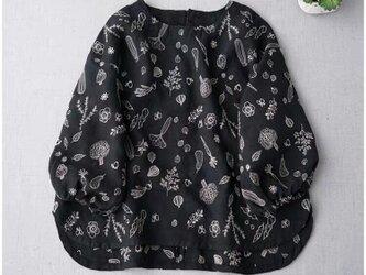 ★SALE★可愛い野菜モチーフの総刺繍リネン100%大人可愛いトップス♪の画像