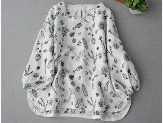 【ホワイト】可愛いモチーフの総刺繍リネン100%大人可愛いトップス♪の画像