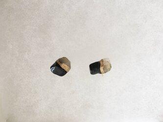 金継ぎx天然石ピアス(ホークスアイ、ヒマラヤゴールドアゼツライト)の画像