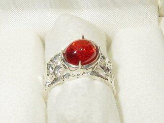 5.85ct琥珀(アンバー)とSV925の指輪(リングサイズ:12号、サイズ変更可、赤みの強い色合い、ロジウム厚メッキ)の画像