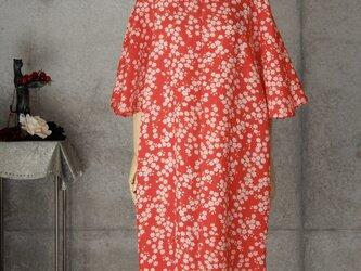 着物リメイク フレアー袖 チュニック/小さな花/赤/フリーサイズの画像