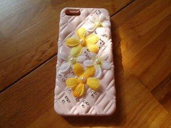 iPhone5 お花のカバーの画像
