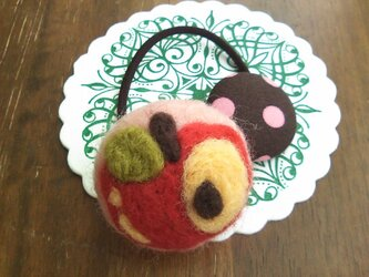 まあるいりんごのヘアゴムの画像
