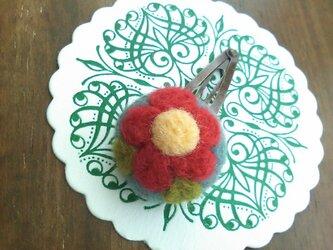 まあるいお花のヘアピン(水色)の画像