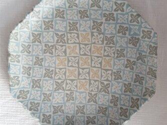 花菱文 八角縁波平皿 緑 マット釉薬の画像